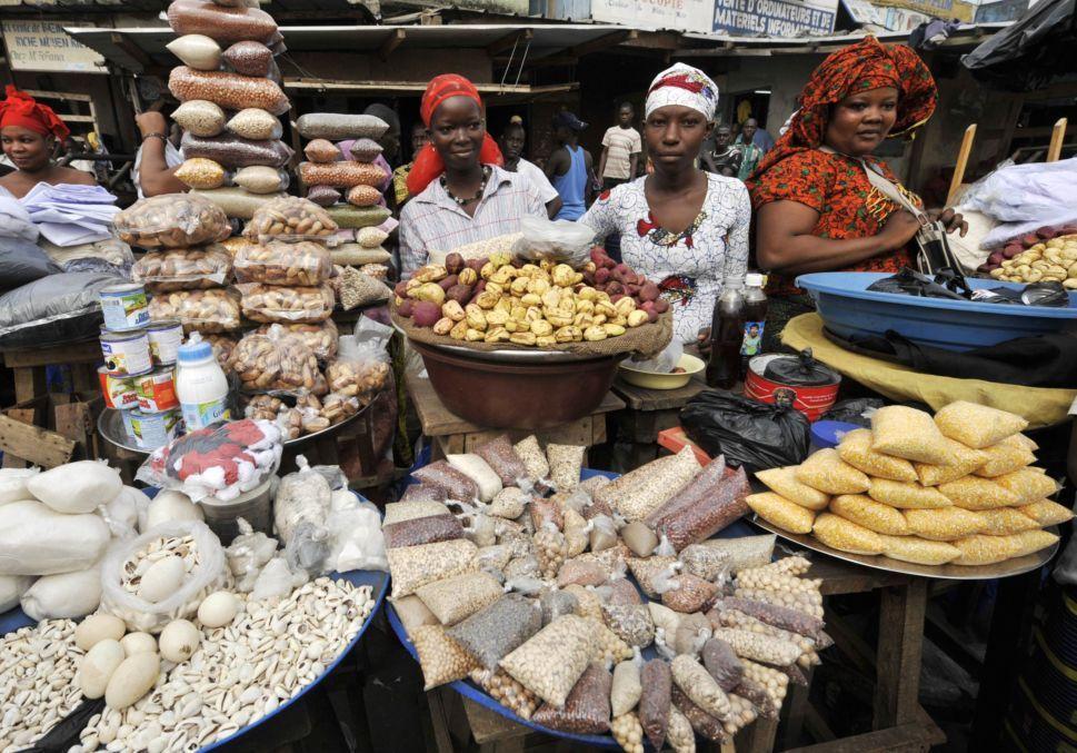 Denrée alimentaire sur le marché d'Akouédo