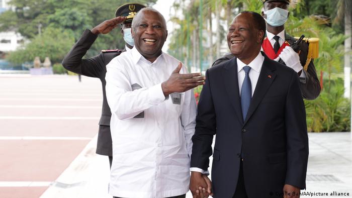 L'ex président ivoirien et l'actuel président ivoirien lors de leur première rencontre du mardi 27 juillet 2021.