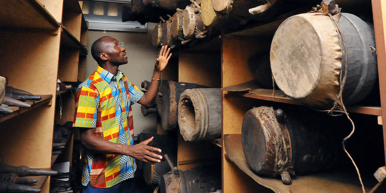 Le tam tam parleur du peuple atchan restitué par la France
